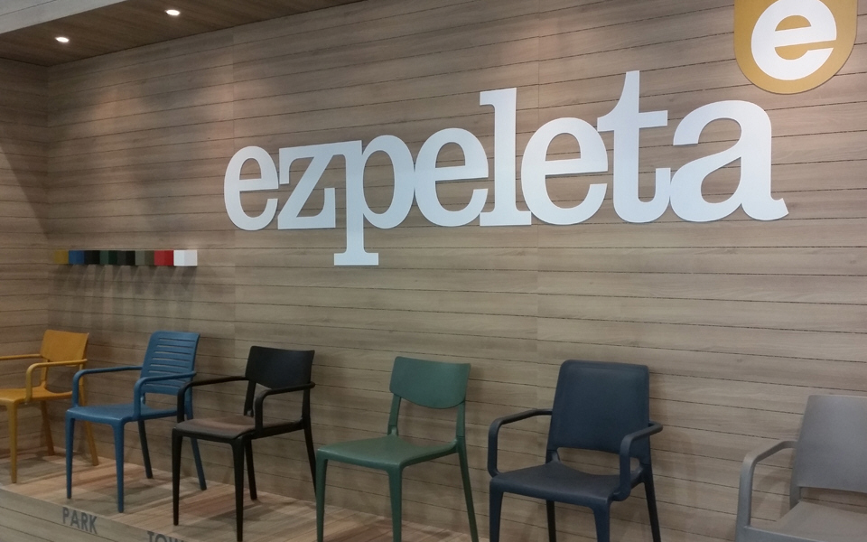 Hiszpańskie meble kontraktowe Ezpeleta dla branży HoReCa