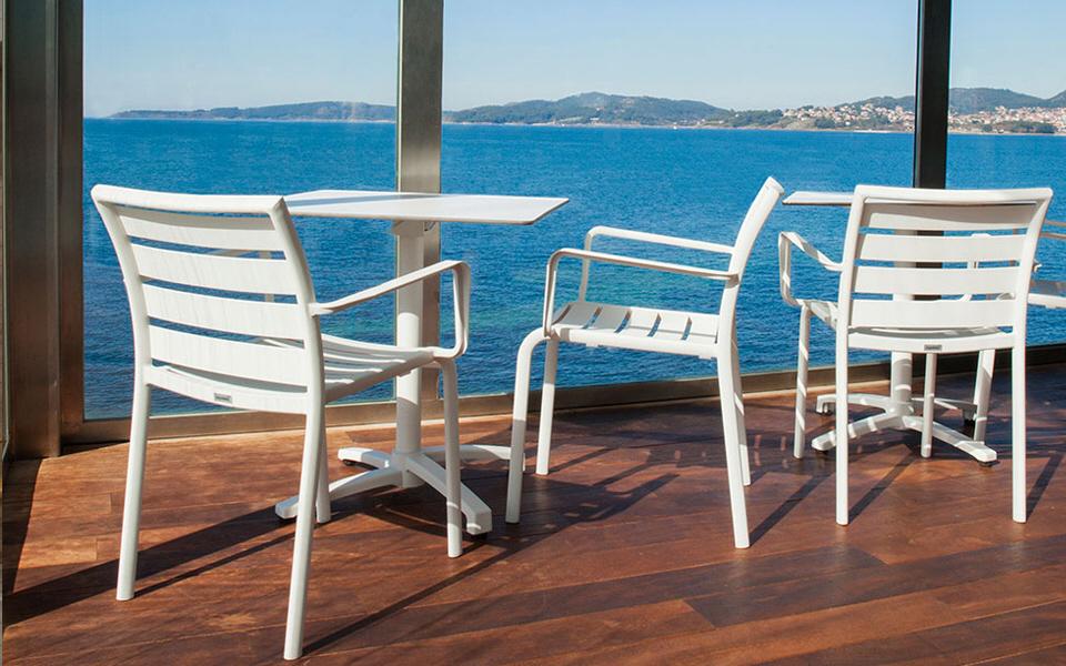 Nowoczesne krzesła do kawiarni, restauracji, biura, ogrodu